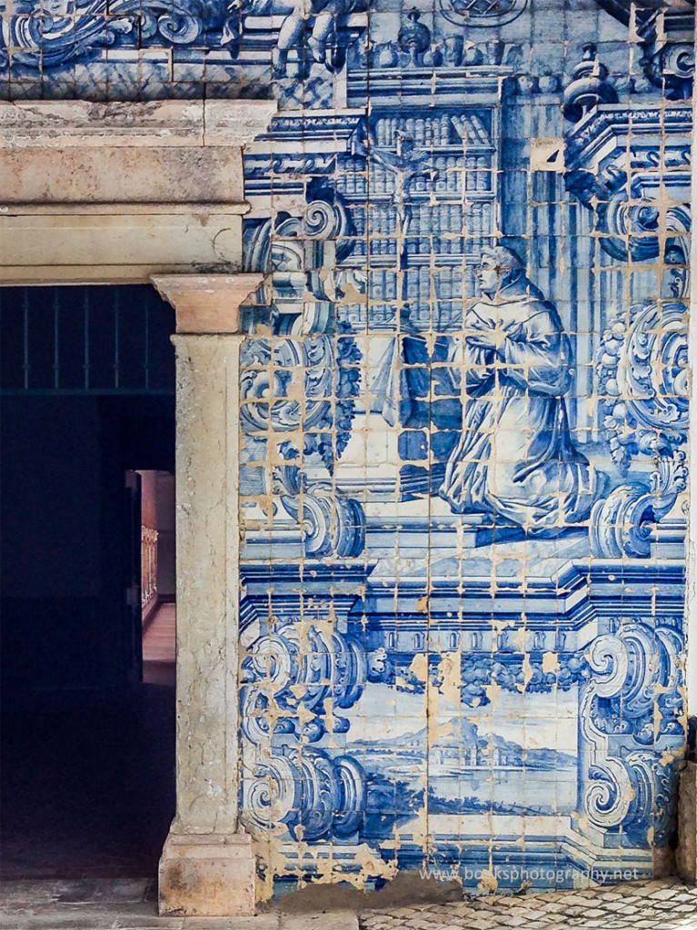 Books and Azulejos (4th image)